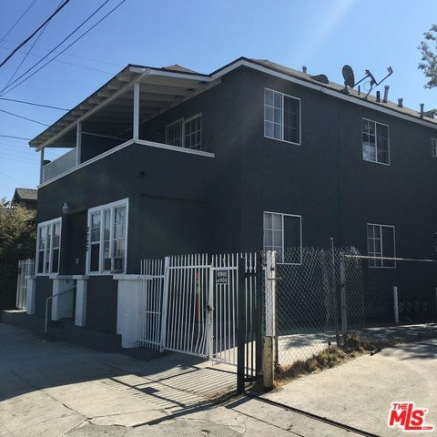 2720 Naomi Avenue, Los Angeles, CA 90011