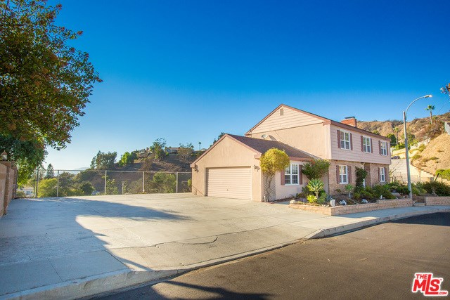 10319 Sala Place, Sun Valley, CA 91352