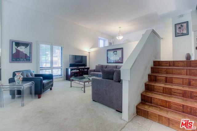 15239 Magnolia #A, Sherman Oaks, CA 91403