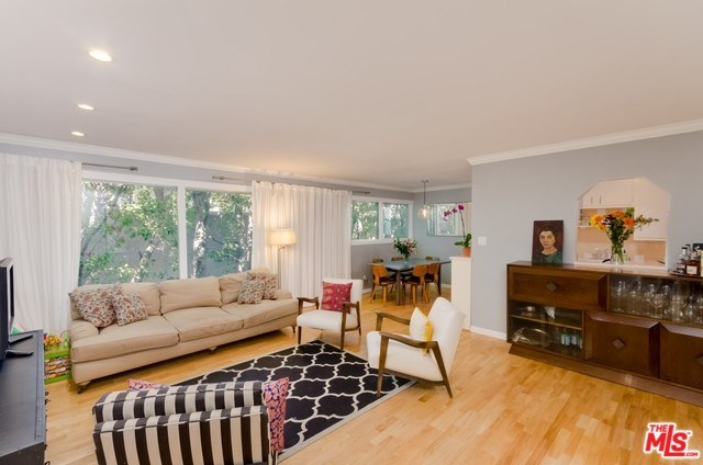 960 Larrabee St #204, West Hollywood, CA 90069