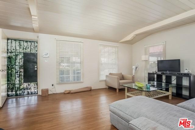 8846 S Wilton Place, Los Angeles, CA 90047