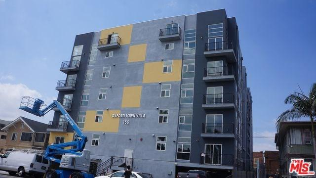 157 S Oxford Ave #305, Los Angeles, CA 90004