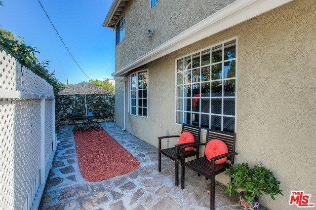 4610 Dockweiler Street, Los Angeles, CA 90019
