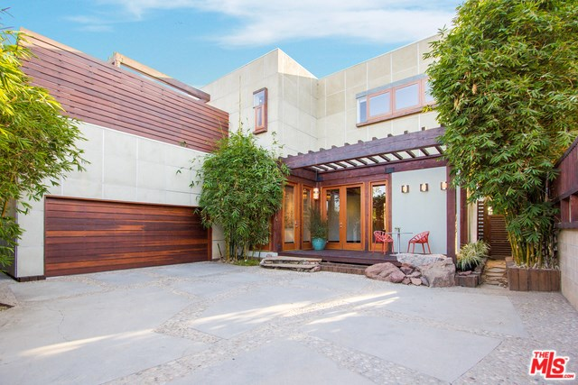 3577 Mountain View Ave, Los Angeles, CA 90066
