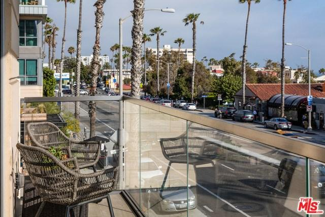 1755 Ocean Ave #310, Santa Monica, CA 90401