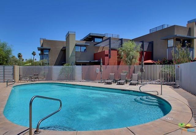 669 E Arenas Rd, Palm Springs, CA 92262