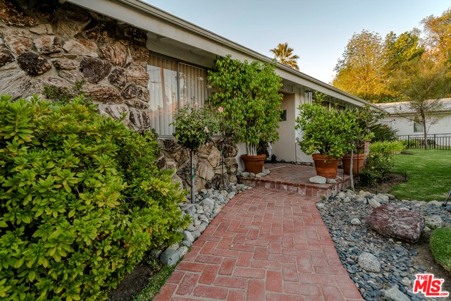 5697 Collins Place, Woodland Hills, CA 91367