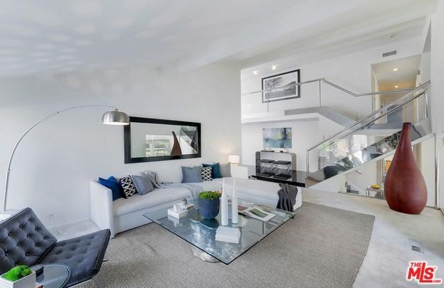 9720 Moorgate Rd, Beverly Hills, CA 90210