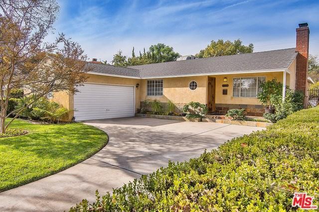 7007 Texhoma Ave, Lake Balboa, CA 91406