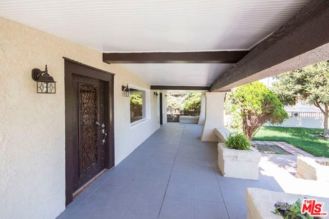 1723 S Bronson Avenue, Los Angeles, CA 90019