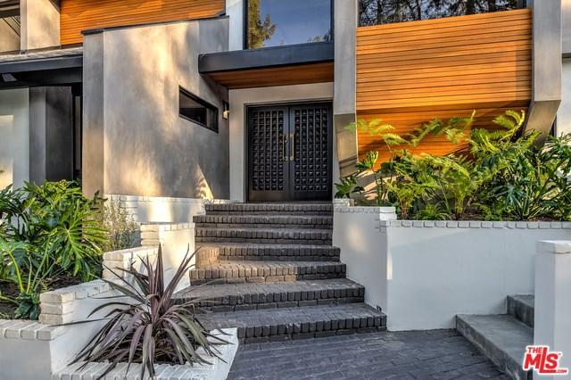19246 Casa Pl, Tarzana, CA 91356