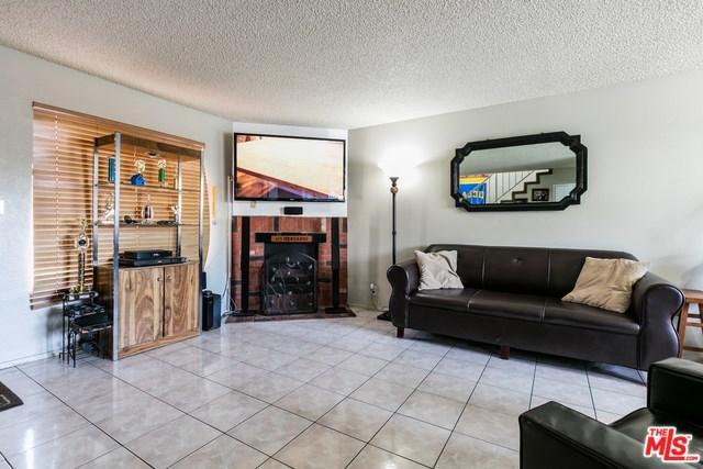 15527 Parthenia St #10, North Hills, CA 91343