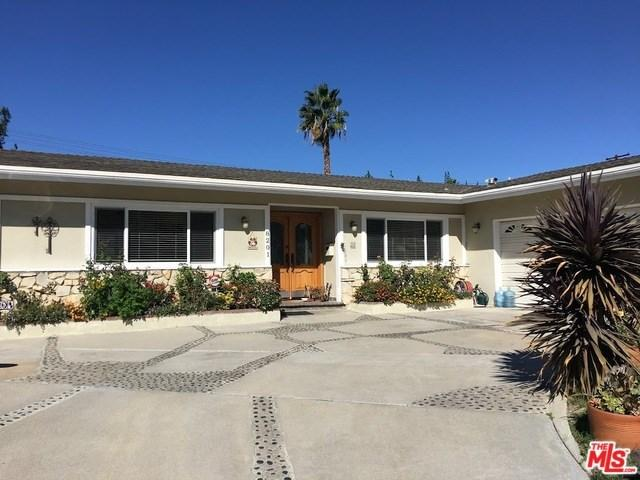 8201 Clemens Ave, Canoga Park, CA 91304