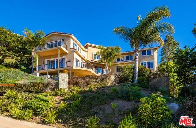 11486 Tongareva St, Malibu, CA 90265