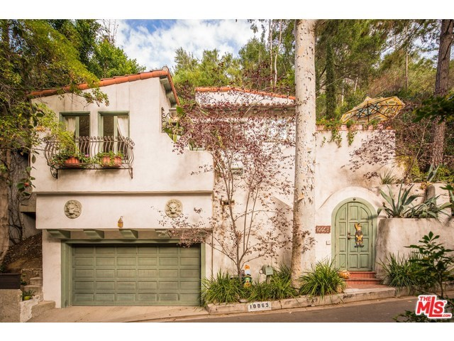 10063 Reevesbury Dr, Beverly Hills, CA
