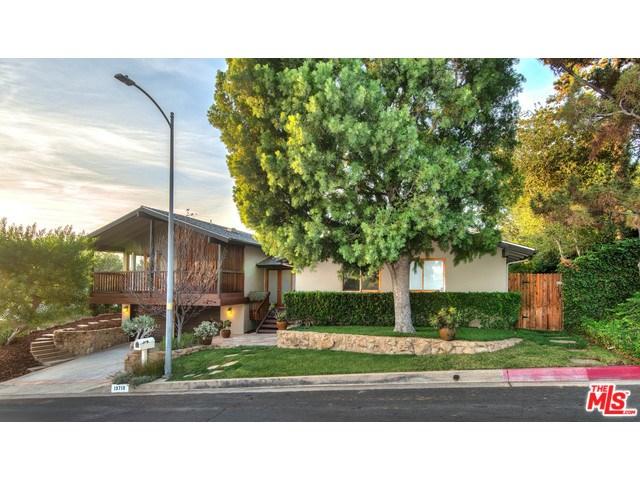 13710 Bayliss Rd, Los Angeles, CA