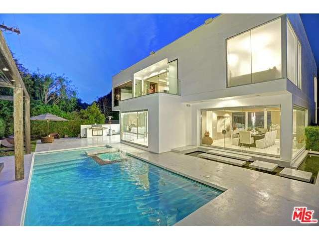 1590 Benedict Canyon Dr, Beverly Hills, CA
