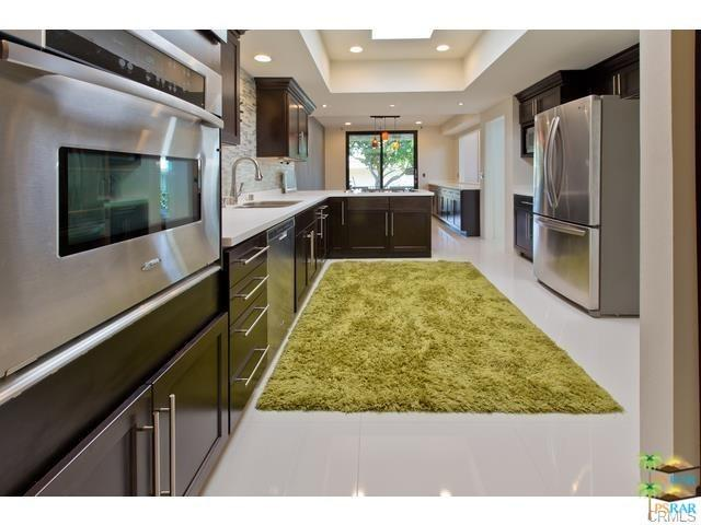 1554 E Canyon Estates Dr, Palm Springs, CA