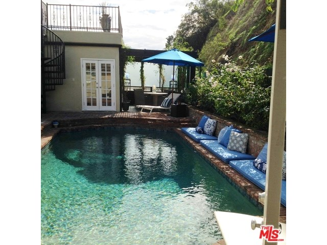 1327 Sunset Plaza Dr, West Hollywood, CA