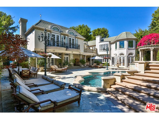 1116 Laurel Way, Beverly Hills, CA