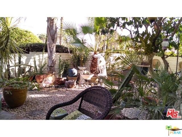 2511 N Whitewater Club Dr #APT D, Palm Springs, CA
