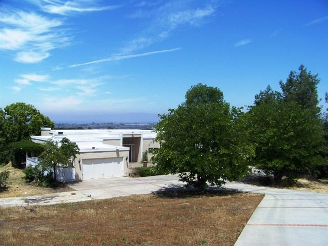 30660 Circle R Ln, Valley Center, CA 92082