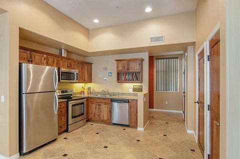 801 W Hawthorn St #106, San Diego, CA 92101