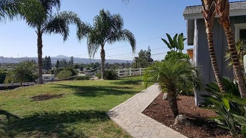 1064 Merritt Dr, El Cajon, CA 92020