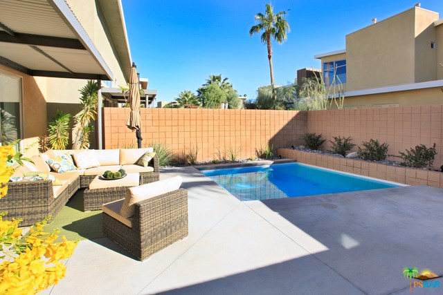 885 Oceo Circle, Palm Springs, CA 92264