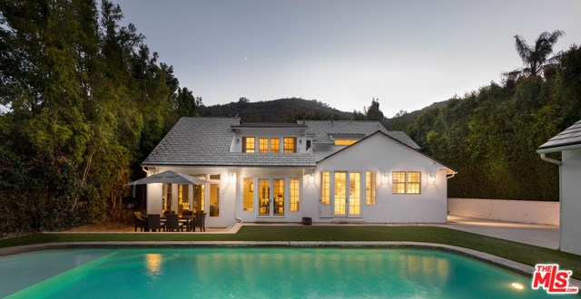 1960 Coldwater Canyon Dr, Beverly Hills, CA 90210