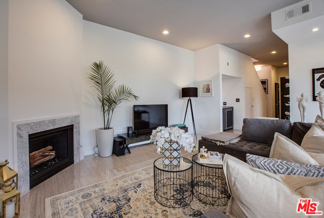 839 Larrabee Street #5, West Hollywood, CA 90069