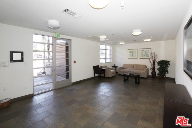 2864 Sunset Place #204, Los Angeles, CA 90005