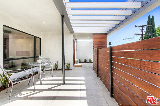 2600 Lake View Avenue, Los Angeles, CA 90039