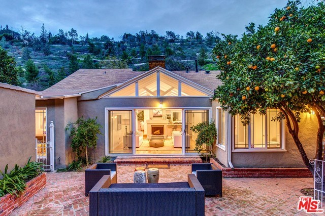 1537 Benedict Canyon Drive, Beverly Hills, CA 90210