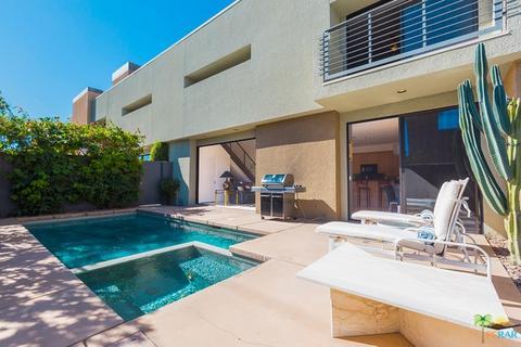 1526 E Baristo Rd, Palm Springs, CA 92262