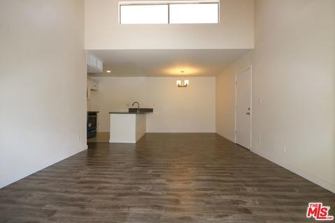 8601 International Ave #261, Canoga Park, CA 91304