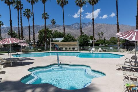 1754 Capri Cir, Palm Springs, CA 92264