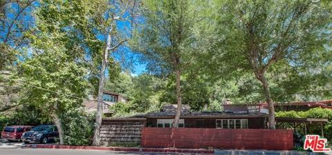 1840 N Beverly Gln, Los Angeles, CA 90077
