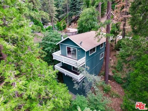 725 Oakmont Ln, Lake Arrowhead, CA 92352