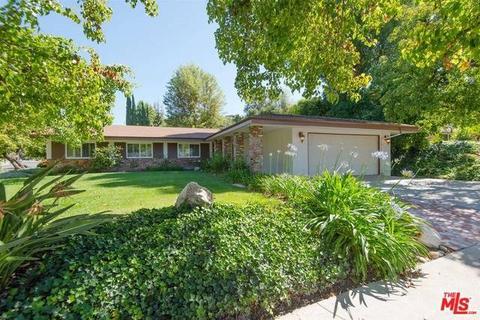 24400 Torch St, Woodland Hills, CA 91367