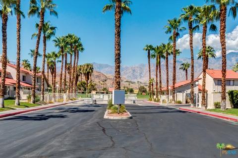 2010 Golf Club Dr #7, Palm Springs, CA 92264