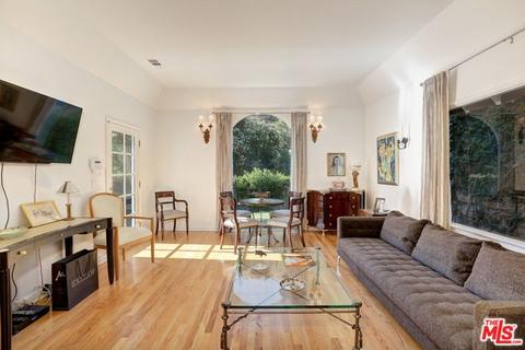 9856 Easton Dr, Beverly Hills, CA 90210