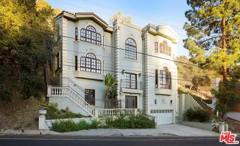 2320 N Beverly Gln, Los Angeles, CA 90077