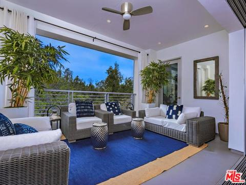 460 N Palm Dr #401, Beverly Hills, CA 90210
