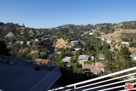 7541 Hermes Dr, Los Angeles, CA 90046