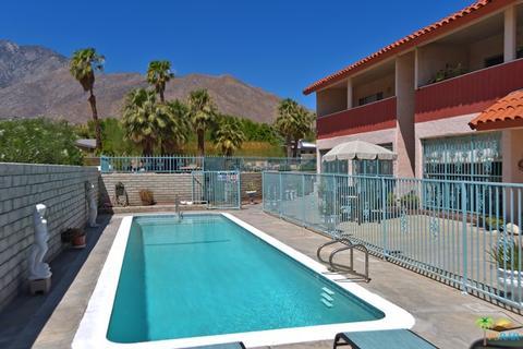 2526 N Junipero Ave, Palm Springs, CA 92262