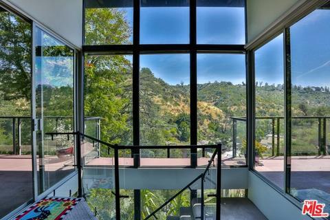 1675 N Beverly Gln, Los Angeles, CA 90077