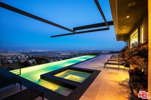 1646 Blue Jay Way, Los Angeles, CA 90069