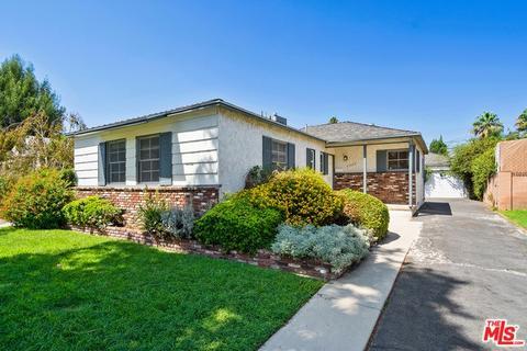 17355 Hamlin St, Lake Balboa, CA 91406