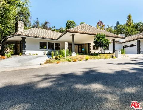 4900 Queen Victoria Rd, Woodland Hills, CA 91364